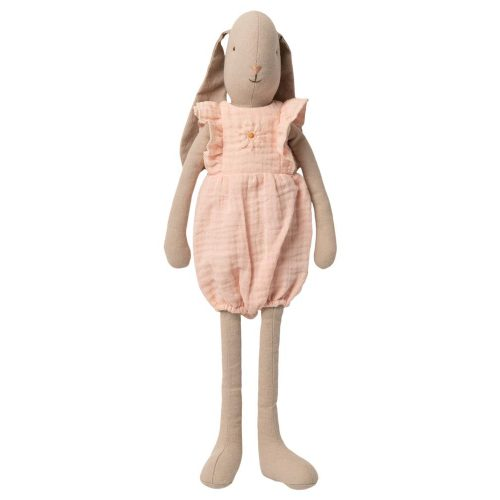 Muñeca conejita con peto rosa