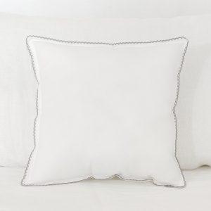 Cojín blanco con puntilla gris