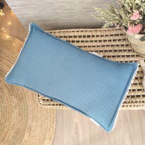 Cojín waffle azul jean con puntilla